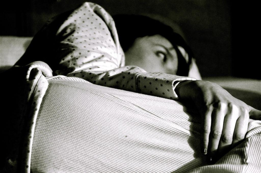 8 Tips to combat insomnia using tea